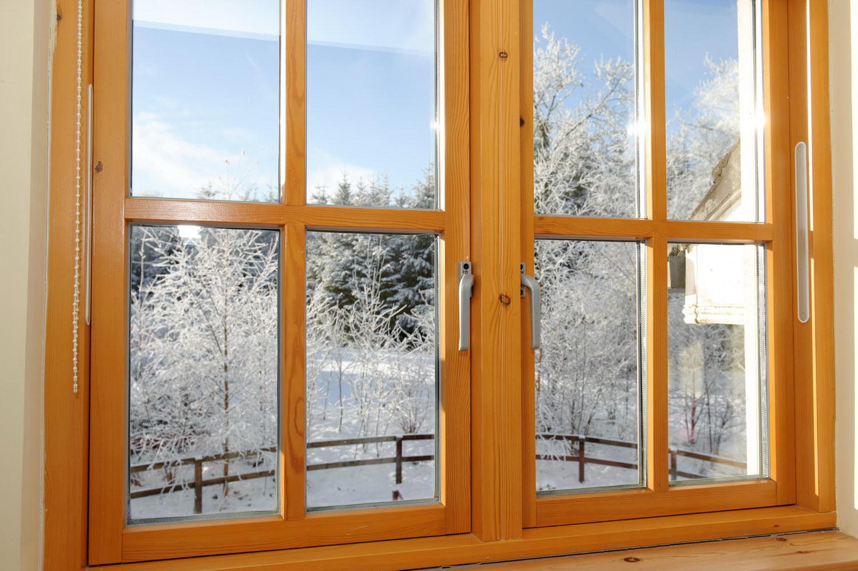 Деревянные окна со стеклопакетом фотографии